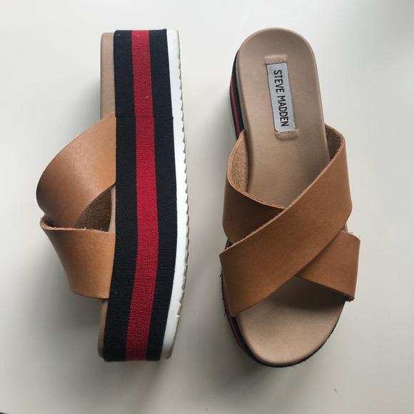8f5c6446f7f Steve Madden Asher slide sandals. M 5b555ca21b16dbe502687844